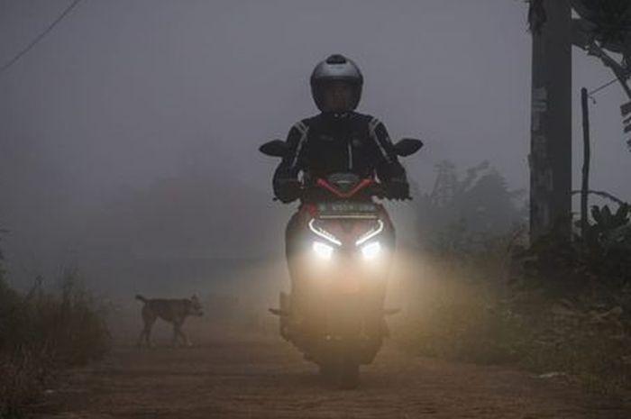 Lampu depan LED Honda Vario