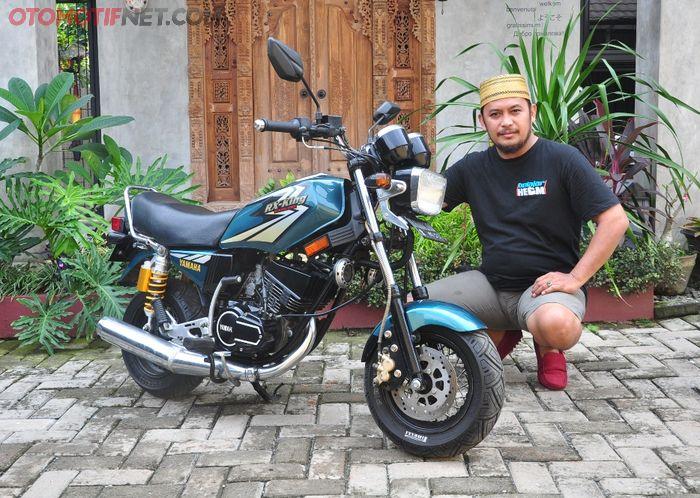 Kodoq dan Yamaha RX King mini miliknya