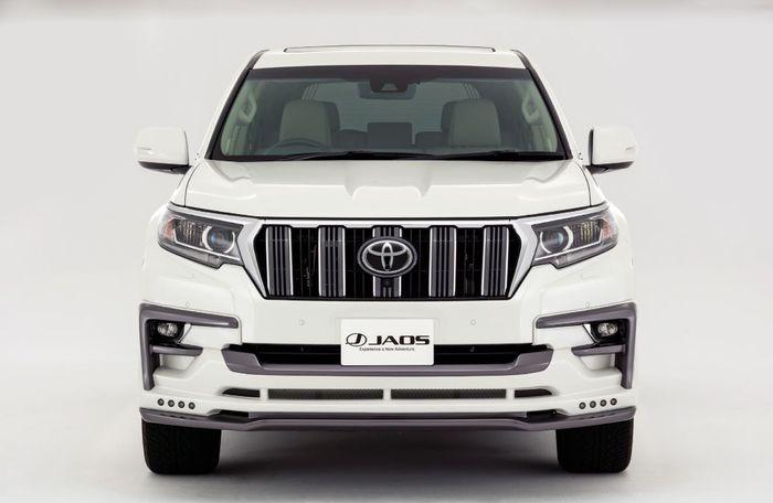 Tampilan depan modifikasi Toyota Land Cruiser Prado