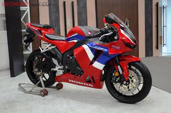 Honda CBR600RR 2021, salah satu model baru yang menyemarakkan penjualan motor di 2021