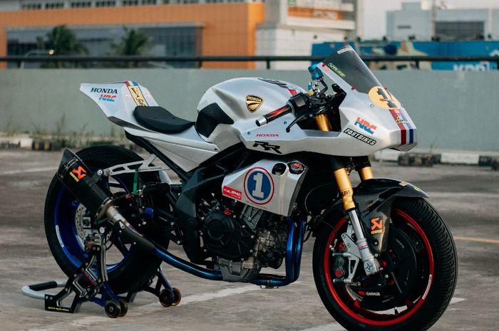 Modifikasi Honda CBR250RR bergaya Modern Cafe Racer garapan 902 Garage sebagai maskot bengkel