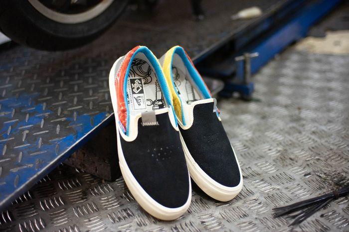Sepatu hasil kolaborasi Scooter VIP dengan SKO Shoes untuk memperingati hari jadi Scooter VIP 1 dekade
