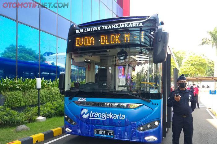 Bus listrik Higer yang diuji coba TransJakarta dengan rute Blok-M - Balaikota