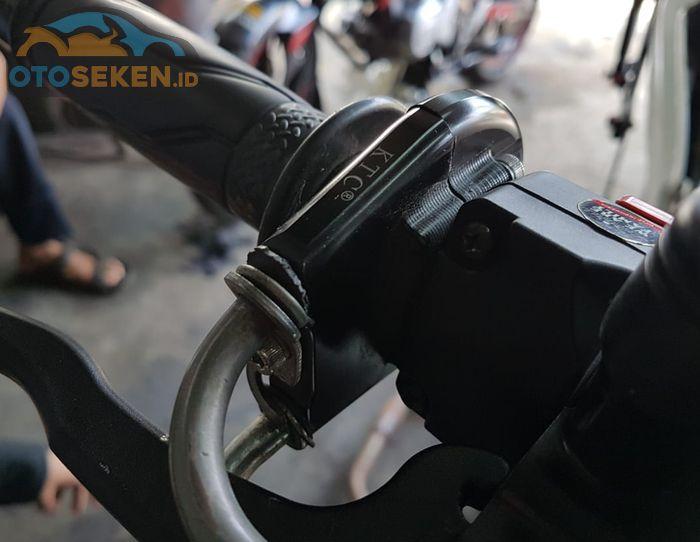 Rumah gas bisa pakai kabel gas spontan atau kepunyaan Yamaha Xabre