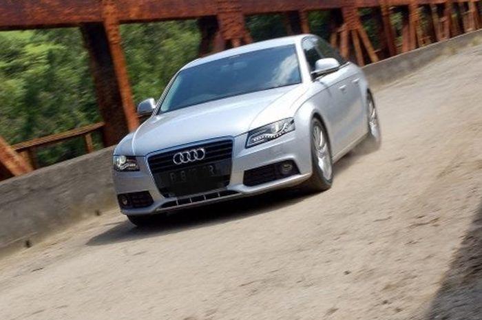 Ilustrasi Audi A4 B8