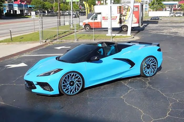 Modifikasi Chevrolet Corvette C8 unik dengan warna serba biru