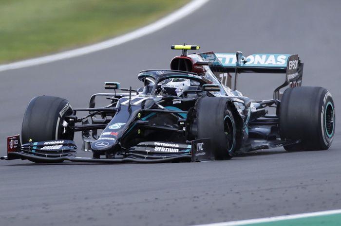 Alami pecah ban di dua lap terakhir, Valtteri Bottas merasa kecewa gagal meraih podium di balapan F1 Inggris 2020