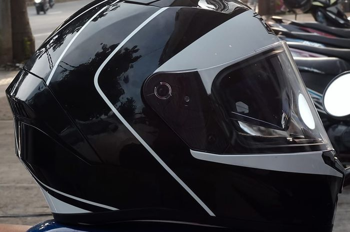 Helm RSV SV500 dibanderol Rp 950 ribu. Ditawarkan berbagai ukuran, yakni MD/M 57-58, LG/L 59-60, XL 61-62 dan XXL 63-64