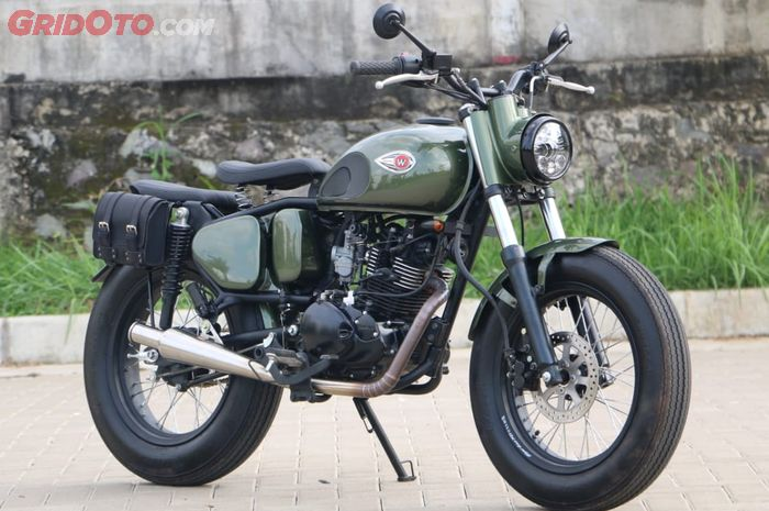 Kawasaki W175 dirombak ala 'british bike', mirip Royal Enfield.