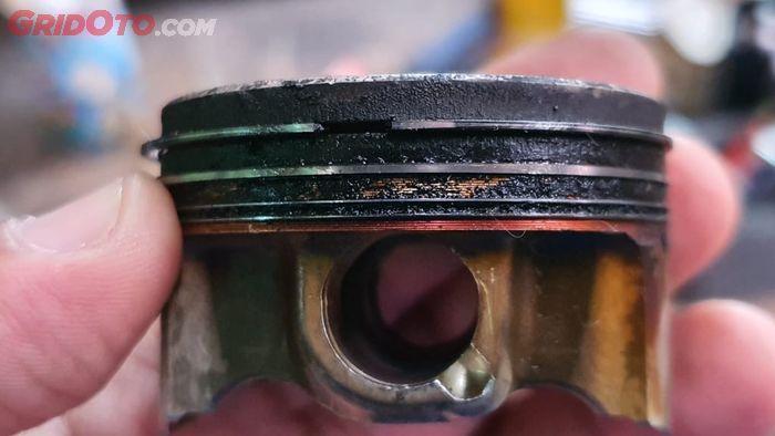 Ring piston lemah