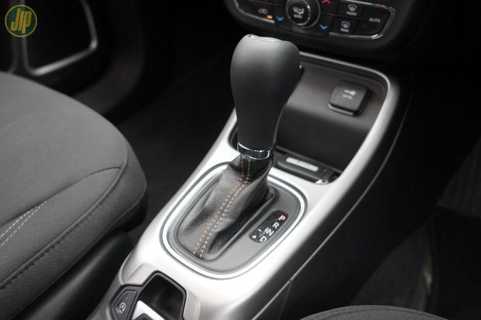 Mobil dengan transmisi matic