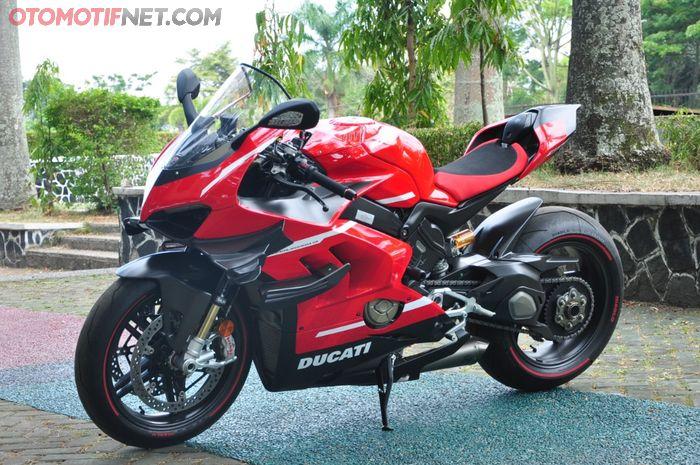 Ducati Superleggera V4 punya tampilan yang sangat kuat dibanding varian lainnya