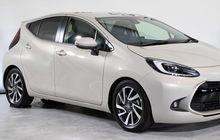 Tampangnya Lebih Imut Dari Yaris, Mobil Baru Toyota Ini Melaju Pakai Bensin dan Listrik, Rp 260 Jutaan!