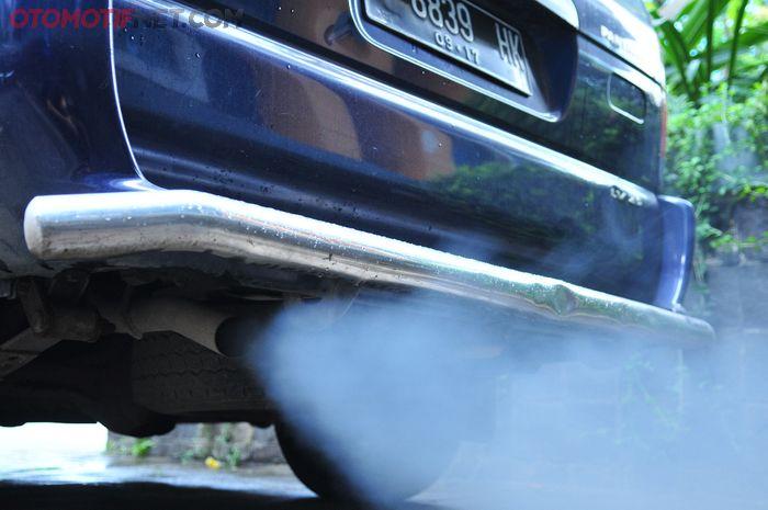 Knalpot keluar asap putih pada mesin diesel