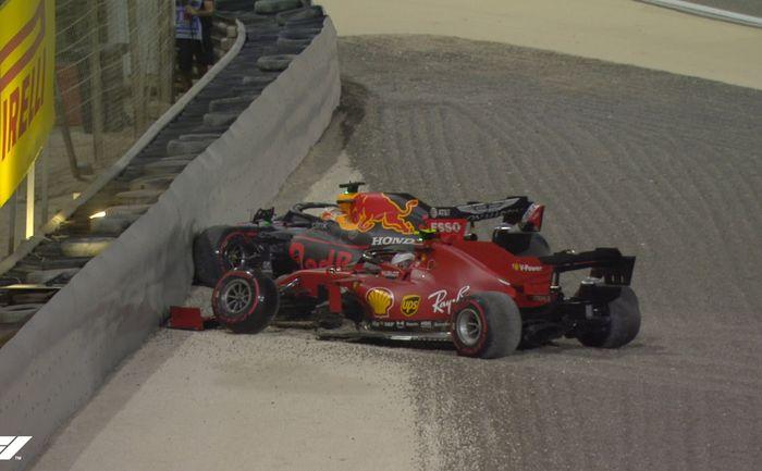 Charles Leclerc dan Max Verstappen harus masuk garasi lebih awal, sedangkan Sergio Perez masih bisa melanjutkan balapan