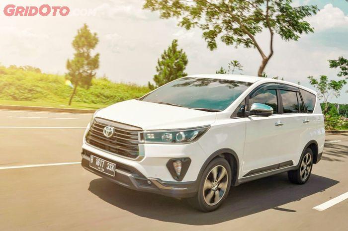 Toyota Innova Venturer 2.4 AT 2020