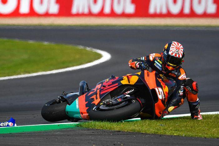 Ternyata  bukan Marc Marquez, tapi Johann Zarco yang menjadi raja crash mengalamai 17 kali crash pada MotoGP musim 2019