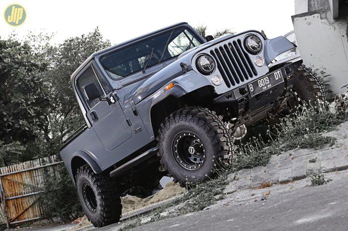 Jeep CJ-6 Roma Motorsport
