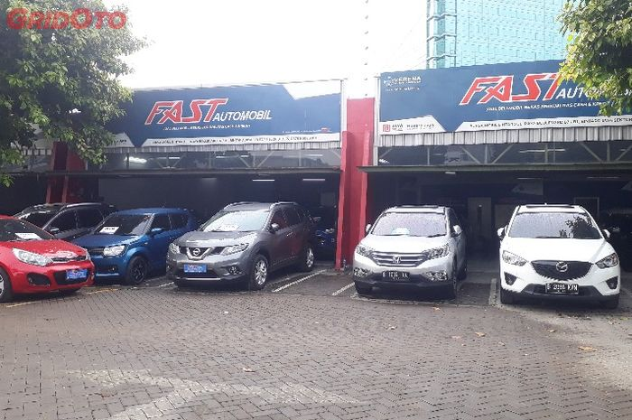 Ilustrasi Fast Automobil di Bursa Mobil Bintaro, Tangerang Selatan.
