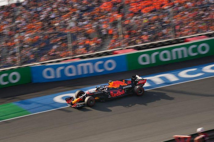 Hasilk kualifikasi F1 Belanda 2021 menempatkan pembalap Red Bull, Max Verstappen sebagai peraih pole position