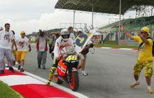 Sebelum 'Dibajak' Yamaha, Valentino Rossi Sempat Dibujuk Orang Ini Agar Tetap di MotoGP Bersama Honda