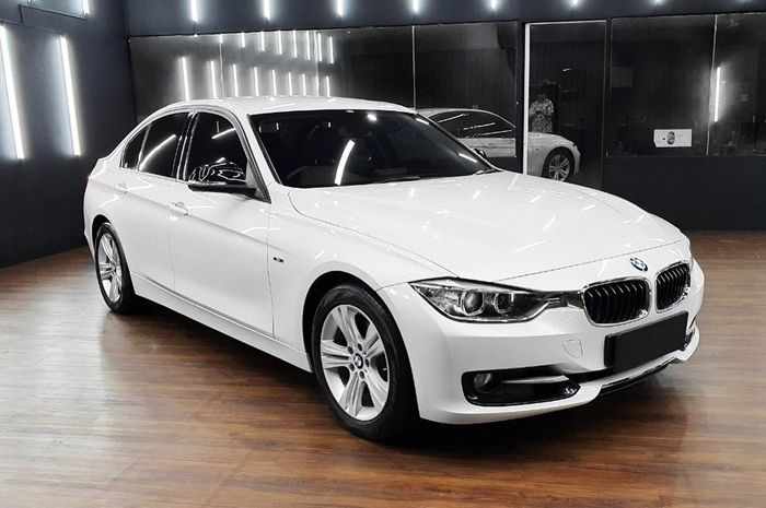 BMW 320i F30 2014