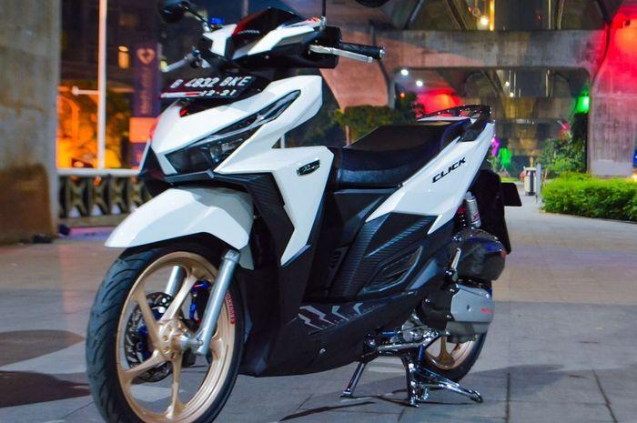 Honda Vario 150 berparas elegan, kaki-kakinya simpel kolaborasi Yamaha.