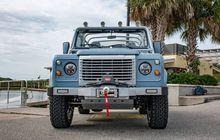 Land Rover Defender Tampang Jadul, Menyimpan Sesuatu Spesial