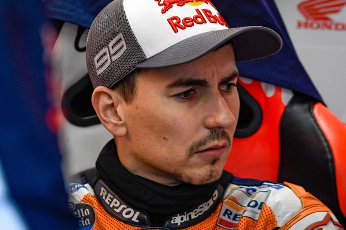 Pembalap Repsol Honda, Jorge Lorenzo kecewa dengan performanya karena masih kesulitan menaklukkan Honda RC213V saat balapan di MotoGP Australia