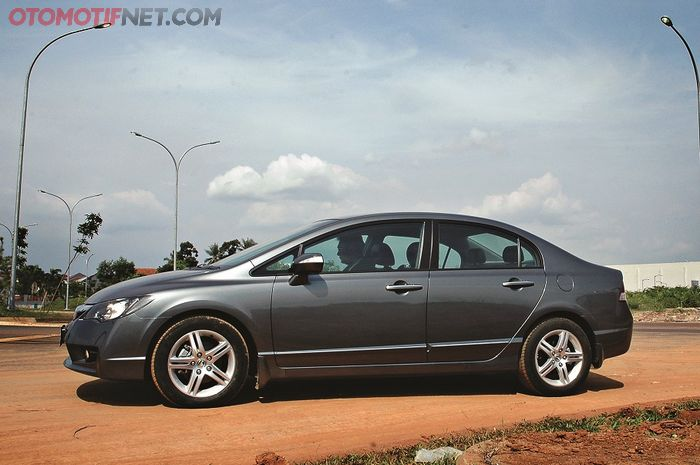 Honda Civic FD mensyaratkan BBM minimal oktan 92