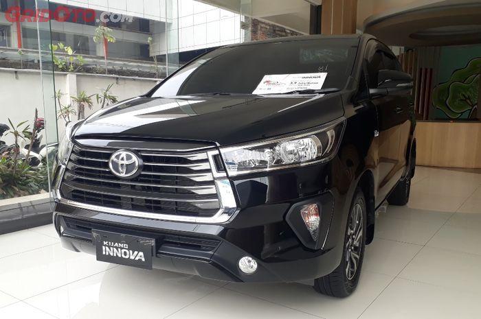 Toyota Kijang Innova di dealer