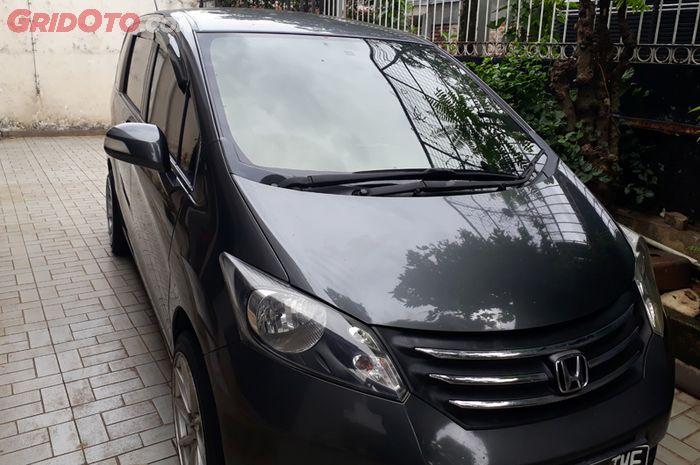 Ilustrasi Honda Freed PSD 2012