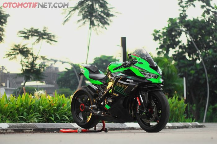 Modifikasi Kawasaki Ninja ZX-25R berkonsep superbike hedon telan biaya hingga Rp 250 juta!