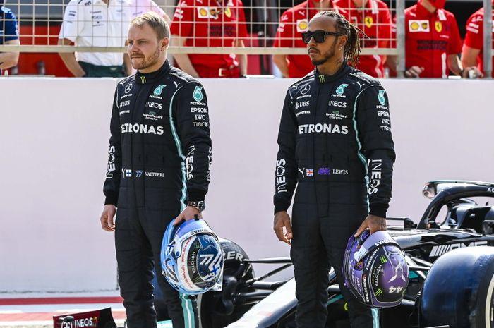 Valtteri Bottas dan Lewis Hamilton (kanan) tidak begitu impresif sepajang tes pramusim F1 2021 di sirkuit Sakhir.