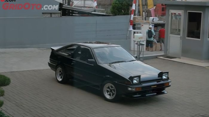 Modifikasi Toyota AE86 Black Limited