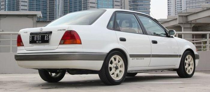 Modelnya mirip All-New Corolla AE111 dengan beberapa perbedaan