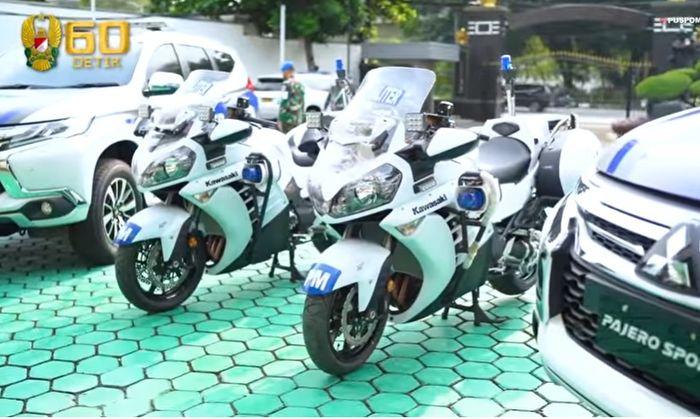 Dua unit Kawasaki Concorus yang disumbangkan ke Puspomad olehRachmawati Soekarnoputri
