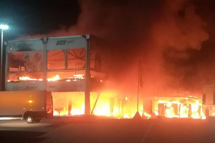 Kebakaran garasi MotoE di Circuito de Jerez-Angel Nieto tadi malam