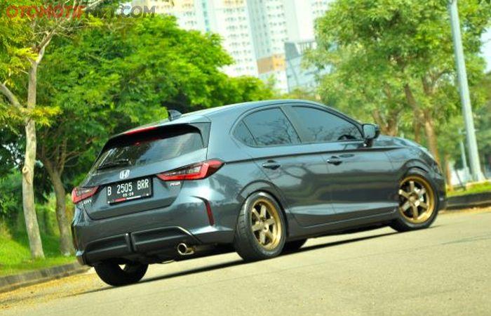 Honda City Hatchback RS bergaya street racing tampak belakang