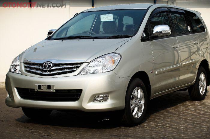 Ilustrasi Toyota Kijang Innova diesel