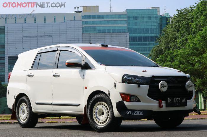Modifikasi Toyota Kijang Innova rally look