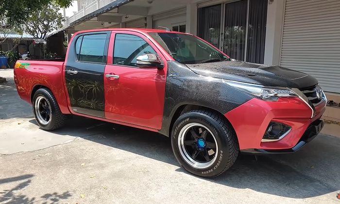 Modifikasi Toyota Hilux pakai pelek Project-D ukuran 18 inci