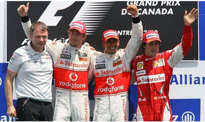 Pembalap McLaren, Lewis Hamilton dan Jenson Button finish 1-2 di F1 Kanada 2010