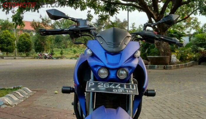 Headlamp custom, desainnya mirip Yamaha Xabre