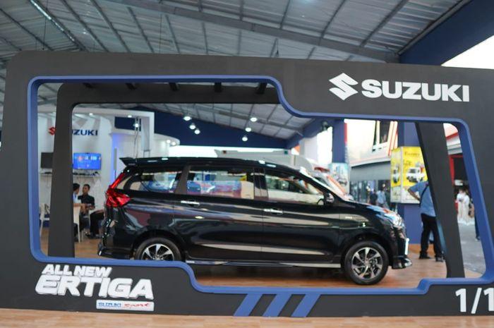 Ilustrasi penjuala Suzuki All New Ertiga
