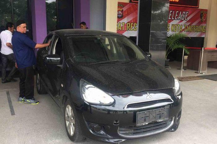 Mobil sopir taksi online korban pembunuhan di Tangerang