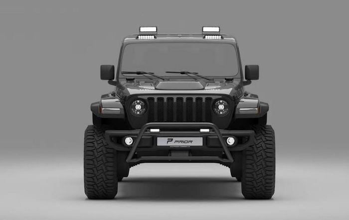 Tampilan depan Jeep Gladiator dipasang bumper bull bar