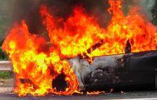 Waspada, Ini Beberapa Hal Yang Bisa Menyebabkan Mobil Terbakar