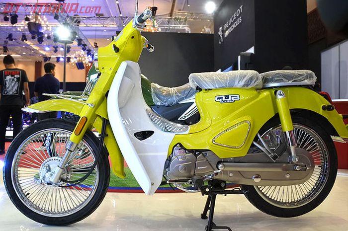 SM Motor Cub Classic punya garis desain modern retro.