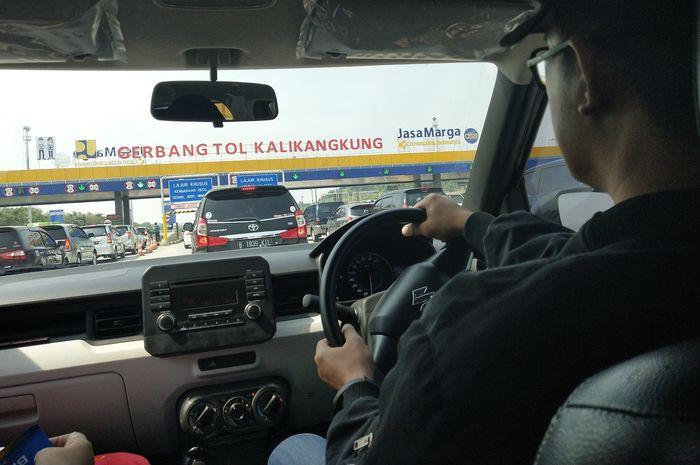Memasuki GT Tol Kali Kangkung, tol Trans Jawa